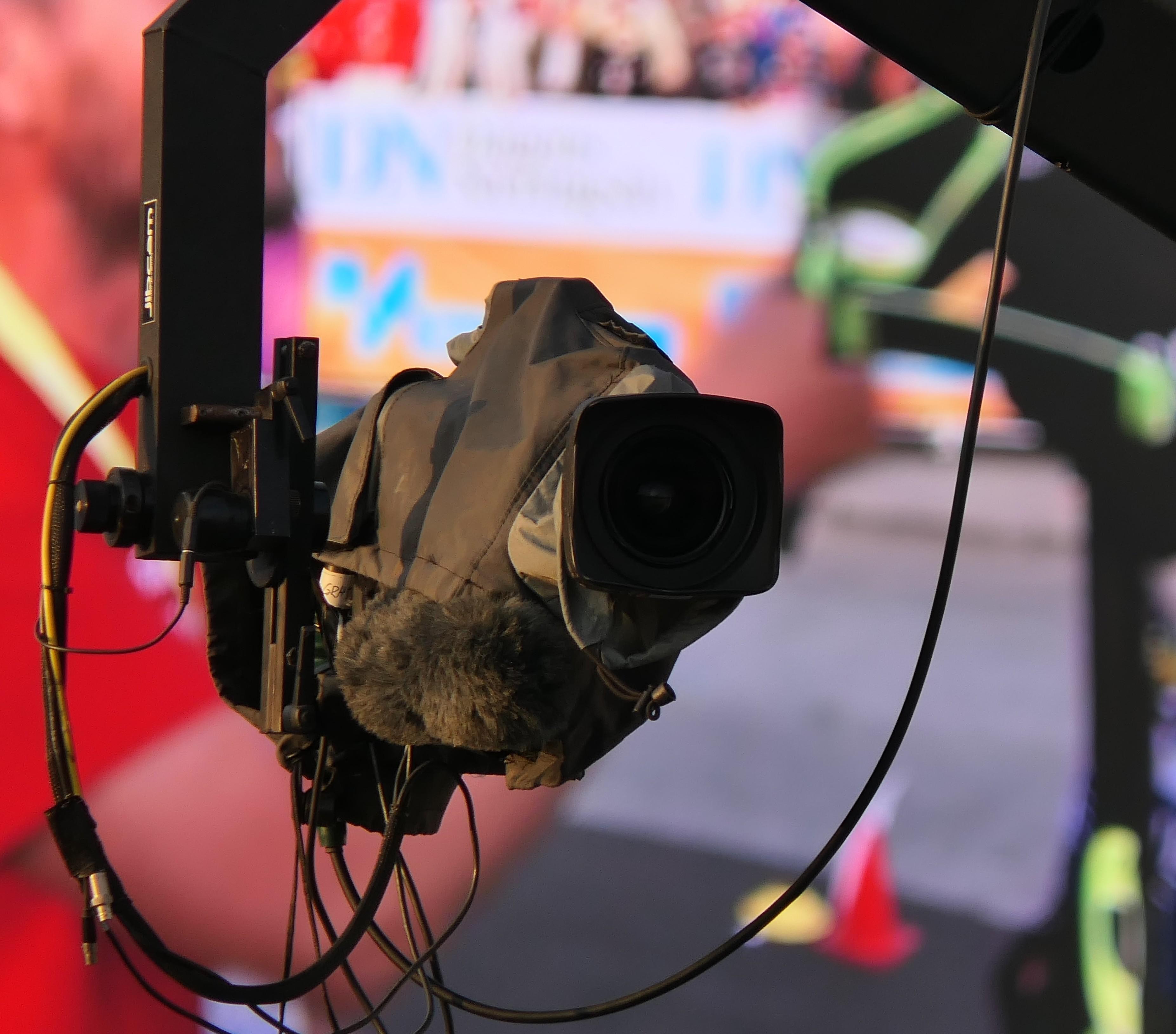 Summer Skiing Shatters TV Ratings In Norway